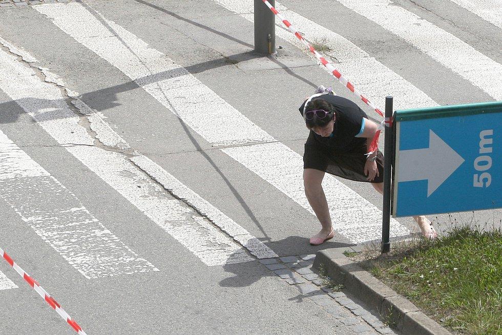 Brno 13.7.2020 - uzavřené přechody pro chodce v křižovatce Úzká Dornych