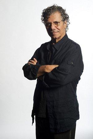 Osmnáctinásobný držitel ceny Grammy a uznávaný jazzman Chick Corea.