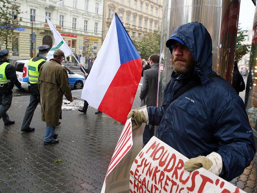 Demonstrace před Ústavním soudem v Brně.