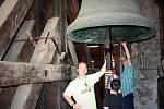 Noc kostelů přivedla věřící i nevěřící také do věže brněnského kostela svatého Jakuba.