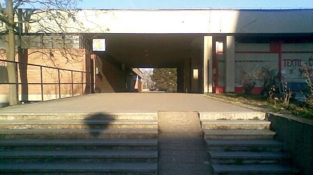 Obchodní centrum Obzor v ulici Fillova v Brně.