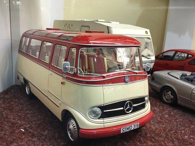 Jeden z automobilových modelů sbírky Antonína Malce, která čítá 1009 kusů.
