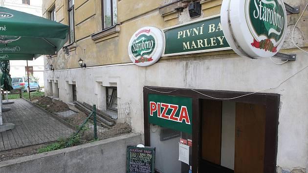 TEST RESTAURACÍ: Pivní bar Marley v ulici Tábor.