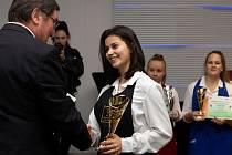 V Brně se konal devatenáctý ročník soutěže Brněnský vánoční pohár. V kategoriích barman, barista a sommeliér v ní změřili síly středoškoláci ze třiceti škol.