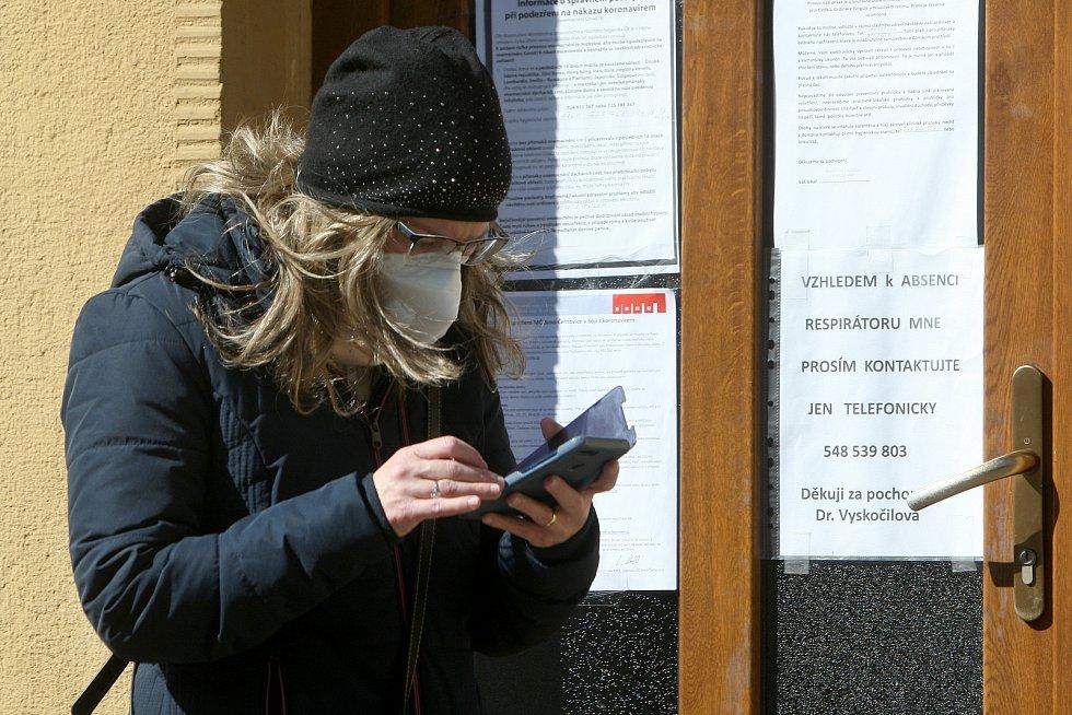 23.3.2020 - město po vyhlášení zákazu pohybu bez ochrany ústa nosu. Brněnské Černovice.
