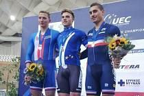 V kilometru s pevným startem se Robin Wagner (vlevo) musel sklonit před Maximilianem Dornbachem z Německa (uprostřed). Třetí skončil Francouz Thomas Copponi.