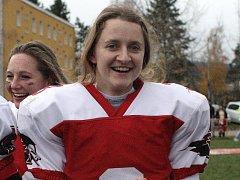 Hráčka amerického fotbalu v týmu brněnských Amazonek Alžběta Nečasová.