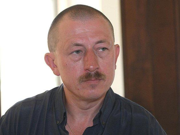 Vladimír Vyhnal při útěku obžalovaného v budově soudu nebyl. Jako vedoucí ale za chování eskorty odpovídá.
