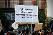 Další protesty proti chování prezidenta Miloše Zemana a ministra financí Andreje Babiše. V Brně se 17. května sešli lidé na náměstí Svobody na demonstraci Proč? Proto!