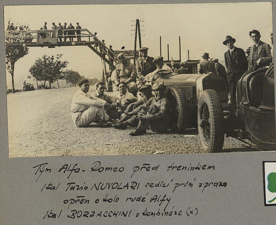 Hvězdy mířily na Masarykův okruh už od jeho vzniku v roce 1930, kdy se jezdilo na skoro třicetikilometrové dráze. V prvních letech trať hostila automobilové hvězdy. Nechyběl ani Ital Tazio Nuvolari s vozem Alfa Romeo.
