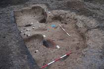Slovanská železářská huť se dvěma pecemi, archeologové ji objevili v brněnské Líšni.