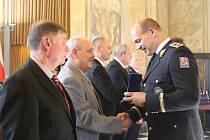 Jihomoravští policisté v pátek za svůj přínos a udržování bezpečnosti v kraji slavnostně obdrželi medaile.