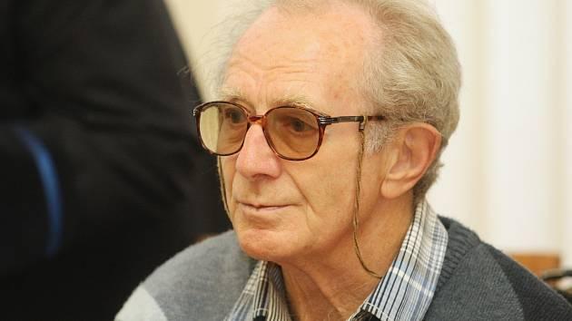 Případ patnácti obžalovaných za obchodování s nezdaněným lihem v úterý řešil Krajský soud v Brně.