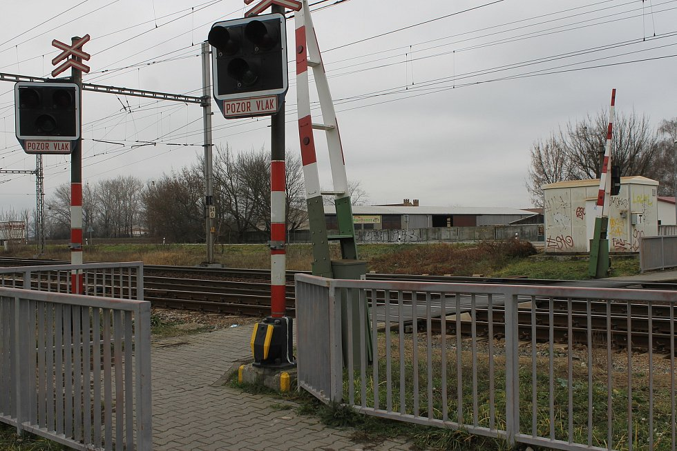 Železniční přejezd u Podivína.