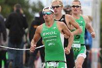 Člen brněnského Ekol týmu Filip Ospalý ovládl závod mezinárodního mistrovství České republiky v olympijském triatlonu. Mezi ženami triumfovala Vendula Frintová.