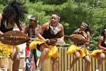 V brněnské zoo mohli návštěvníci v pondělí vidět tradiční africké tance i se zpěvem. Účinkující přijeli ze Zimbabwe se svým rytmickým vystoupením.