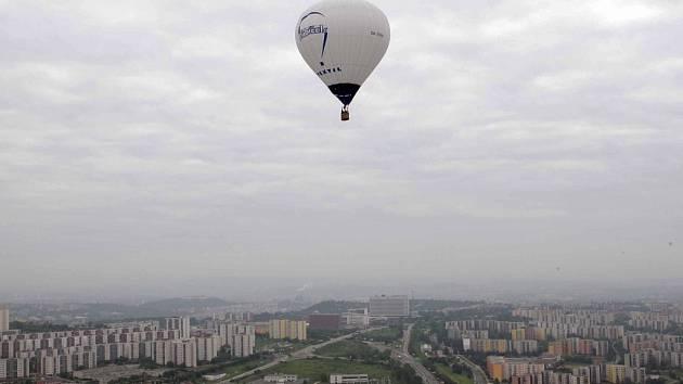 Horkovzdušné balóny vzlétly nad Brnem