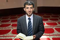 Nový představený českých muslimů  Muneeb Hassan Alrawi.