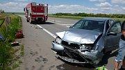 U Pohořelice se srazila dvě osobní auta. Nehoda si vyžádala několik zraněných, včetně dětí.
