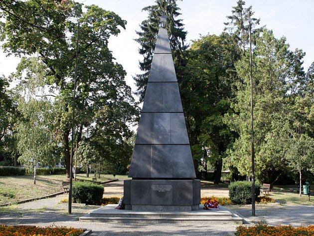 Památník v Králově Poli.