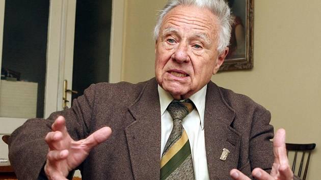 Třiaosmdesátiletý brněnský rodák Radovan Poděl vyváděl v roce 1945 jako člen Národní stráže brněnské Němce do Pohořelic.
