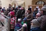 Desítky dětí v sobotu zamířily na miroslavský zámek. Zahrály si v pohádce o Dvanácti měsíčcích.