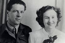 Velen Fanderlik s manželkou Stanislavou, v roce 1943.
