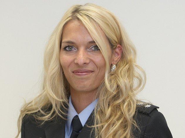 V létě policisté častěji než jindy řeší vykradené domy a byty. Před chlubením s odjezdem na dovolenou varuje brněnská policejní mluvčí Andrea Straková.