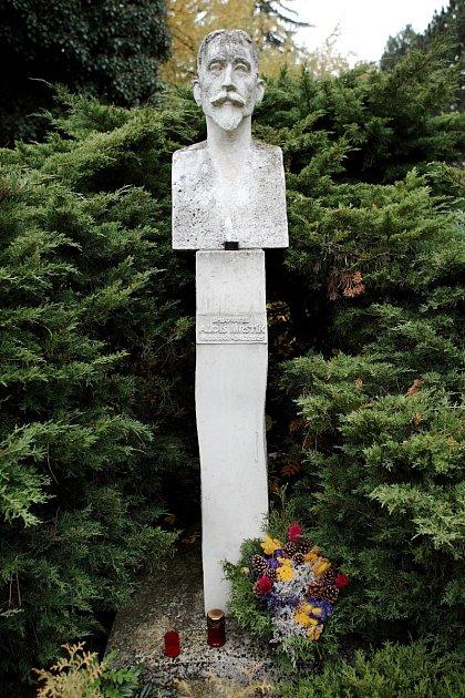 Hrob Aloise Mrštíka na brněnském Ústředním hřbitově.