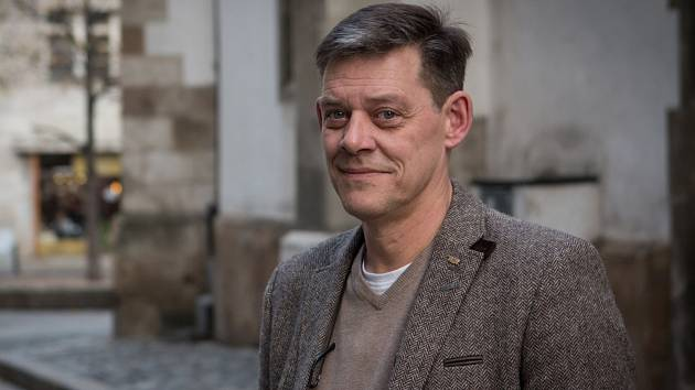 Reiner Höss, vnuk nacistického velitele koncentračního tábora v Osvětimi a muže spoluzodpovědného za vyhlazování Židů i jiných národů Rudolfa Hösse.