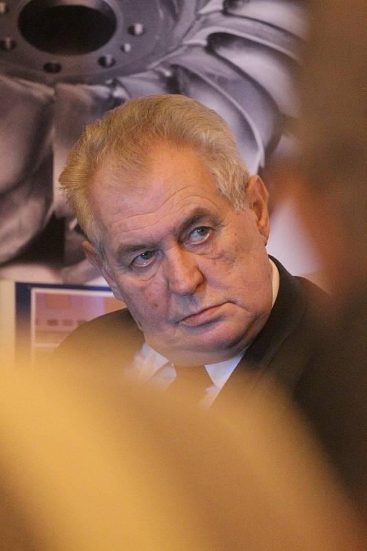 Prezident Miloš Zeman navštívil na Blanensku zkušebnu turbín společnosti ČKD Blansko Engineering v Horní Lhotě. A také podnik Adast Systems v Adamově.