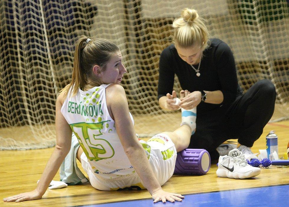 S mistrovským USK Praha sváděly basketbalistky KP Brno vyrovnaný souboj. Přesto nakonec podlehly 66:87.