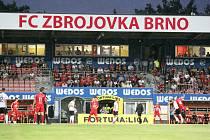 Fanoušci fotbalové Zbrojovky při prvním utkání této sezony proti Spartě, které Brno podlehlo 1:4.