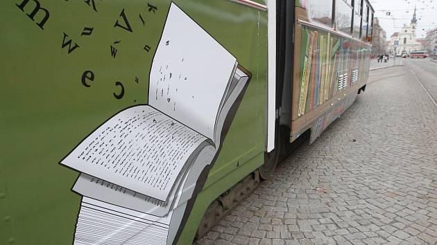 Křest knižní tramvaje v Brně.