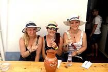 Snímek z vinařské akce K Nechorám do sklepa.