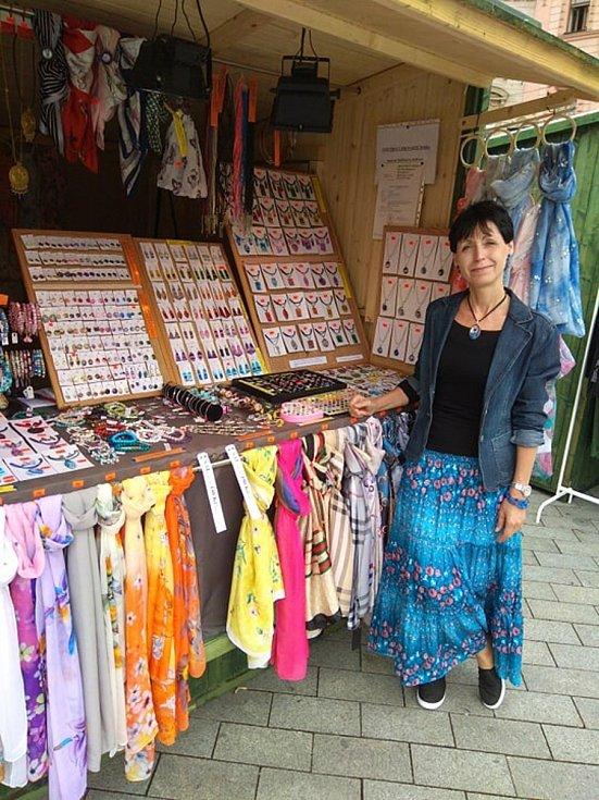 Dita Fleischlingerová z Brna kvůli pandemii a zrušených trzích přišla o veškeré možnosti prodeje svých ručně vyráběných výrobků. Založila si proto vlastní e-shop.