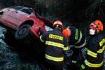 Jihomoravští hasiči zasahovali u několika nehod na zasněžených silnicích. Například na silnici I/53 u obce Dobšice a na silnici I/50 u Holubic.