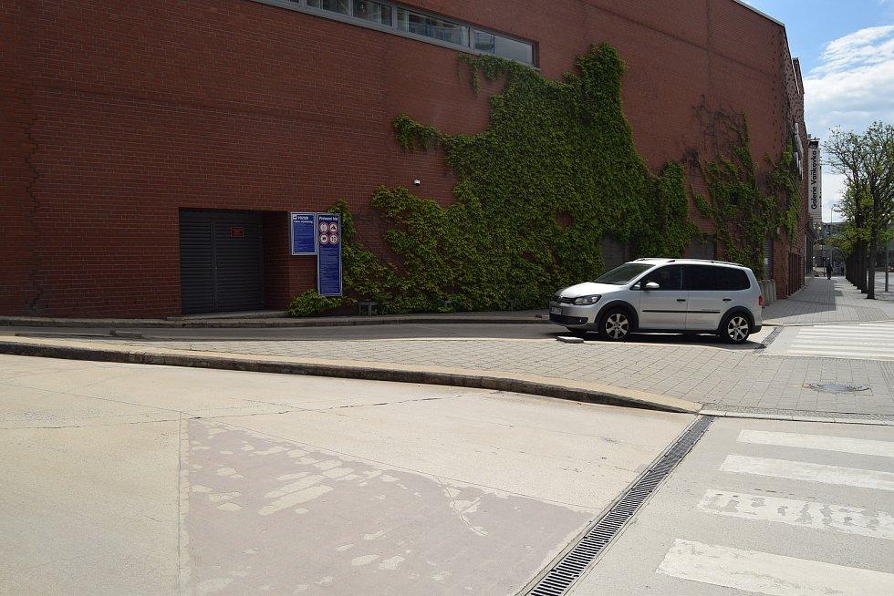 Trnitá ulice v Brně u Galerie Vaňkovka. Druhé nejvíce nehodové místo v kraji.