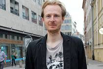Klavír v ulici lidi strhne, říká spoluautor projektu Klavíry pro Brno Ondřej Vild.