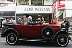 Před osmdesáti lety tvůrci významné brněnské pasáže Alfa stavbu zkolaudovali a otevřeli celou. Ve čtvrtek si mohli výročí připomenout její návštěvníci rozmanitým programem ve stylu první republiky.