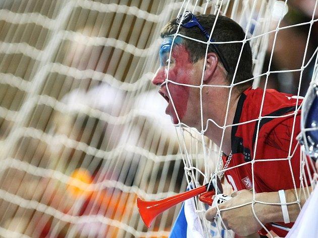 Attila Racek letos zabodoval snímkem fanouška, kterého vyfotil při kvalifikaci mistrovství Evropy v utkání České republiky s Černou Horou v házené.
