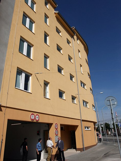Nový dům v Tržní ulici.