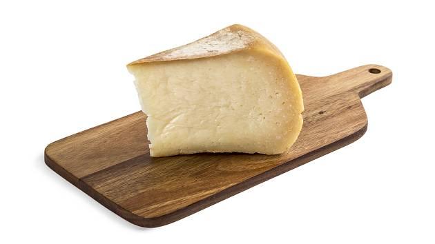 Zrající kozí sýr z domácí sýrárny v Jezeřanech - Maršovicích vyhrál již druhým rokem.