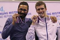 Před republikovým mistrovstvím ve squashi doufali v alespoň jednu medaili. Plán hráči klubu Viktoria Brno však ještě překročili. Z Prahy si totiž minulý víkend odvezli druhé a třetí místo z mužské kategorie a přidali i dalších šest umístění v desítce.