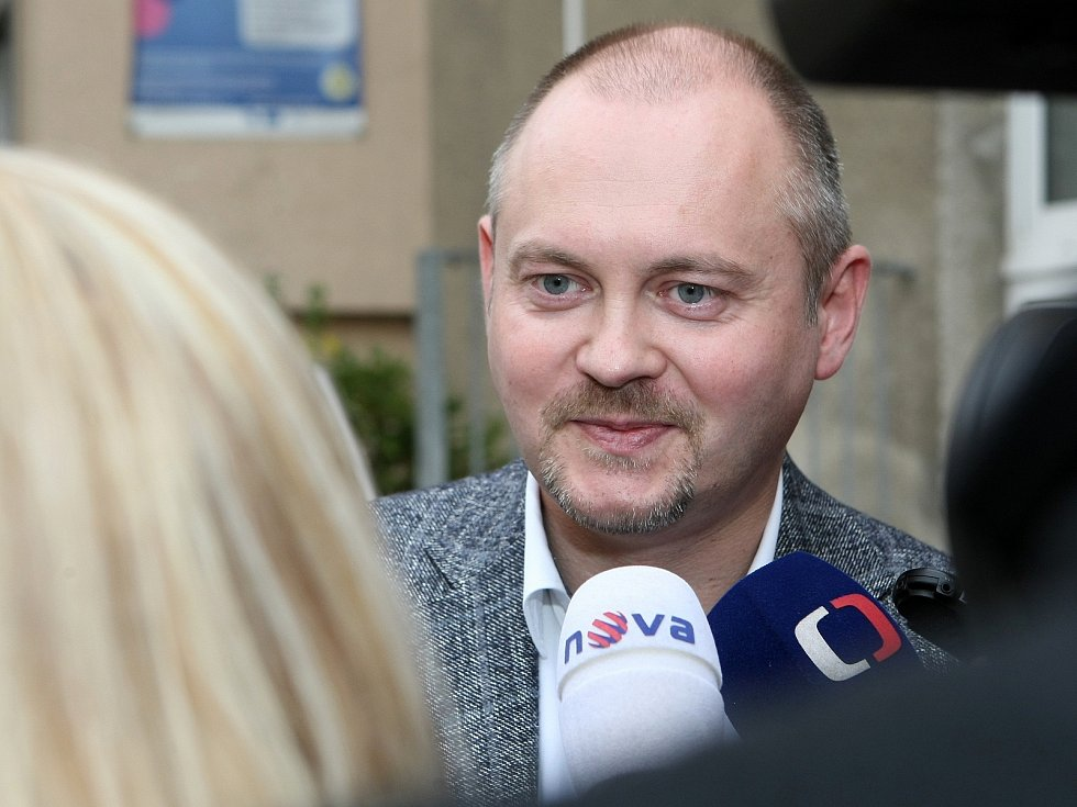 Mezi prvními odvolili hejtman Jihomoravského kraje Michal Hašek a lídr jihomoravské kandidátky ODS Petr Fiala.