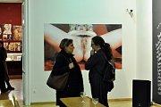 Nová výstava upozorňuje na problémy, se kterými se setkávají sexuální menšiny