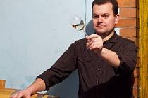 Vinař Petr Klásek z Petrova si váží všech, kteří dělají víno poctivě a s láskou. Když ho ocení kolegové vinaři, je to pro něj velký úspěch.