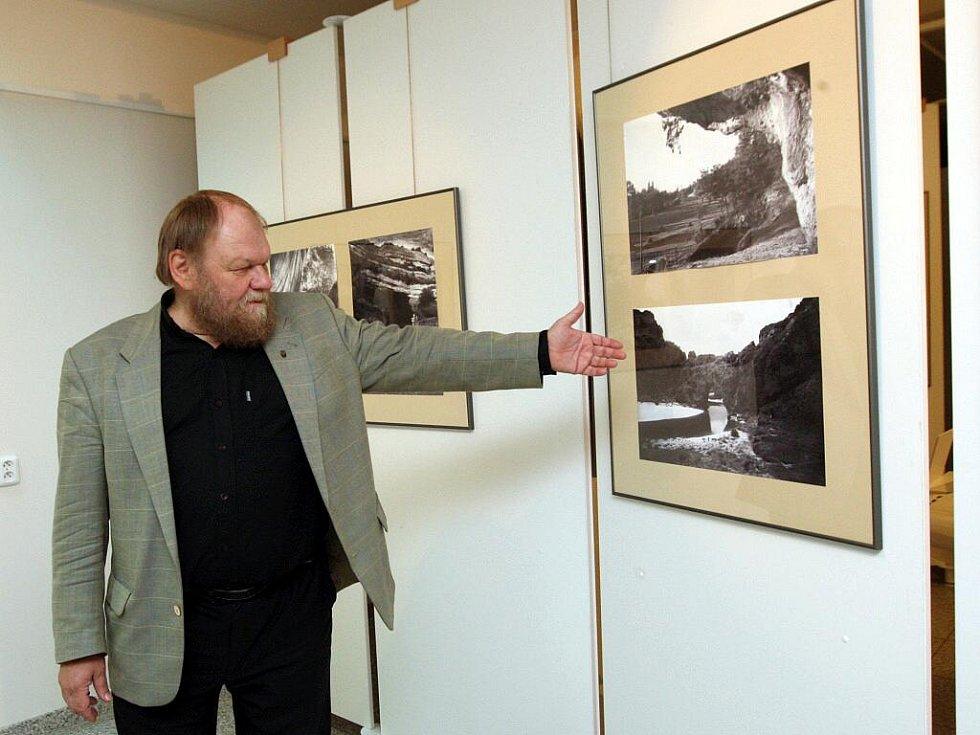 Výstava Karel Absolon – Fotografie - autor výstavy Martin Oliva.
