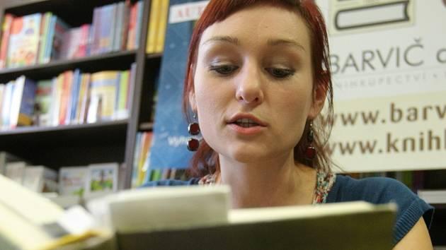 Spisovatelka Tučková představila na autorském čtení svou knihu Žítkovské bohyně.