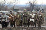 Vojáci předváděli v Ořechově na Brněnsku bitvu o Budapešť z přelomu let 1944 a 1945. Bitvu navštívilo tisíc diváků.